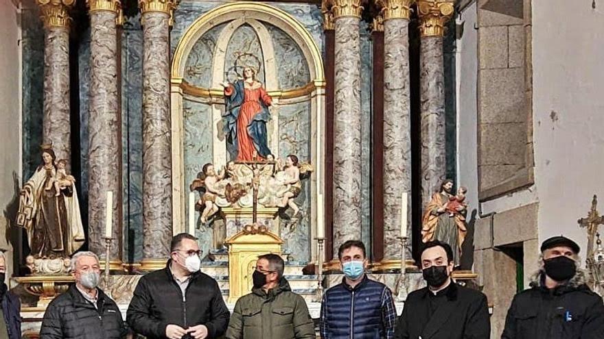 Nuevo aspecto del retablo restaurado en Hermisende.